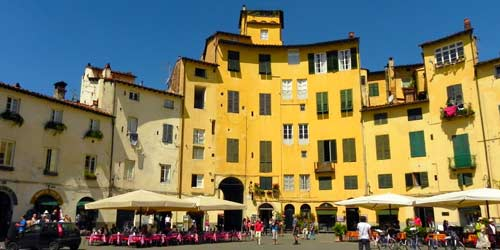 Photo of Piazza Anfiteatro in Lucca, Livorno Cruise Port Destination