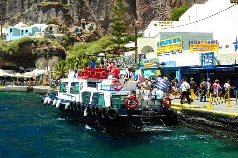 Docks and Tender | Santorini (Greece) Cruise Port Guide | IQCruising